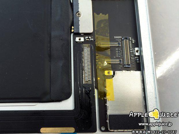 iPad Air 2の基板にdockコネクタを取り付けたところ