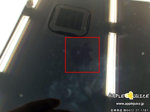 バックライトが点かないiPad mini 3の液晶パネル