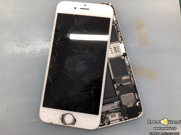 他のiPhone修理店で「基板が問題」と言われてしまったiPhoneも修理を行っております。