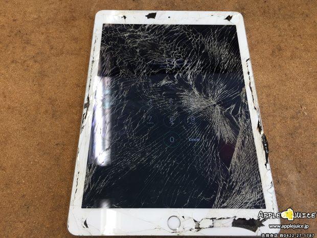 iPad 5(2017年モデル)の画面割れは約1時間で修理しております。